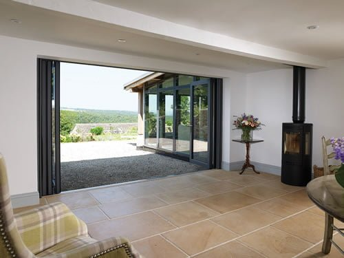 Centor Bi-Fold door fully open : integrated doors - pezcame.com